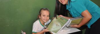 Secretaria de Educa��o leva cartilha �s escolas municipais