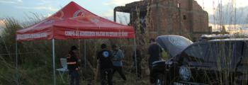 Bombeiros ajudam na escavação de ossada humana