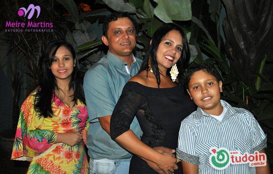 Meire Martins realizou a cobertura da comemoração dos 13 anos de casamento de Diônes e Suzana