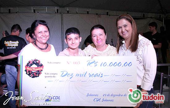 Fotos do evento anual de premiação da CDL de Inhumas, o Natal Premiado 2016.