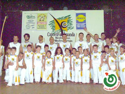 TUDOIN - Galerias de Imagens - Encontro Capoeira