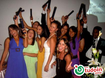 TUDOIN - Galerias de Imagens - Formatura Microlins 10/2008