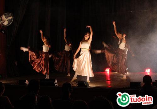 TUDOIN - Galerias de Imagens - Teatro FAMI