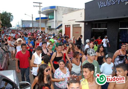 TUDOIN - Galerias de Imagens - Zé Pereira 2012