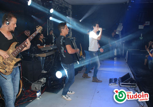 Confira as fotos do show do dia 18/03 com Gabriel Gava na AVONTS Full Lounge