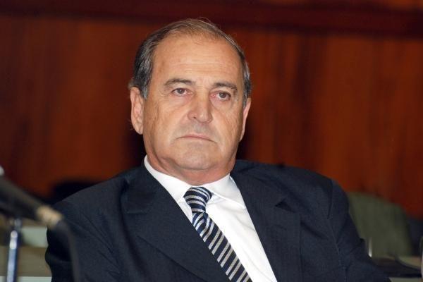 José Essado: ações contra drogas e oposição