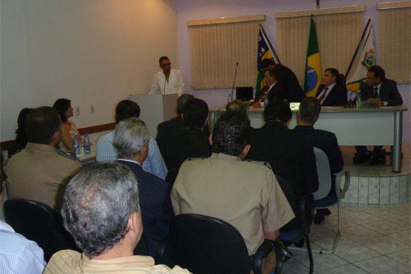 Vereadores iniciam os trabalhos legislativos de 2012