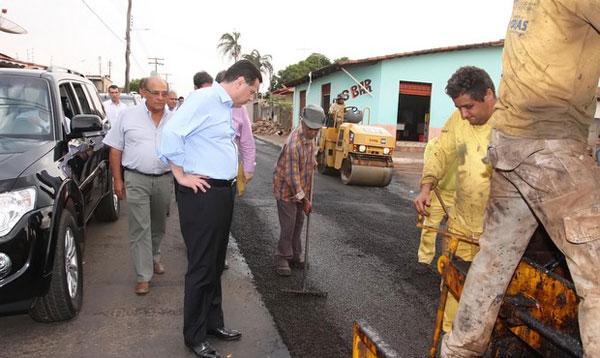 Governador Marconi Perillo Visita Obras em Inhumas e Região.