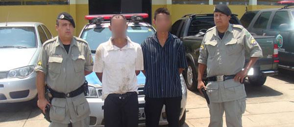Dois Ladrões são presos, Após Roubar Motocicleta.