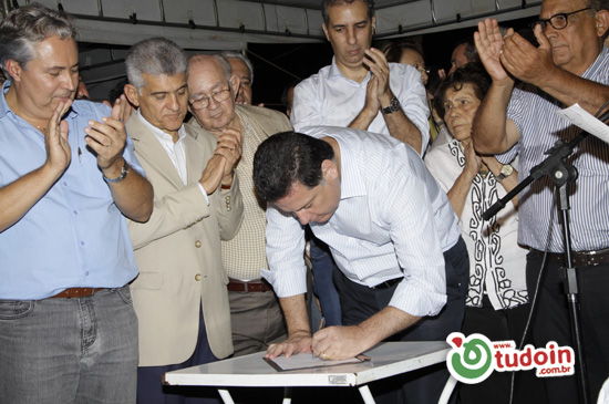 Governador Marconi Perillo veio a Inhumas entregar obras importantes
