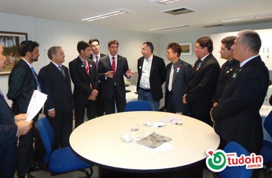 Dioji se reúne com senador Wilder Morais em Brasília