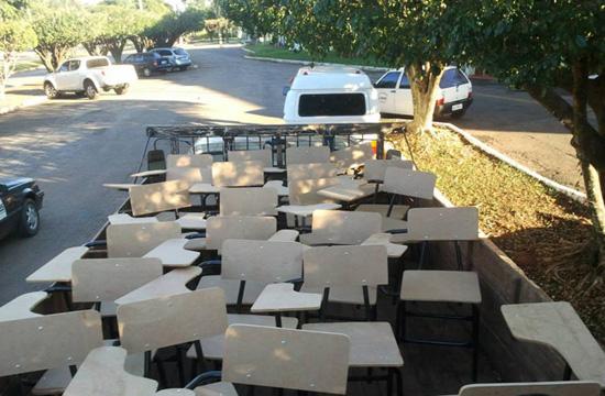 Prefeitura adquire e entrega material para escolas e creches