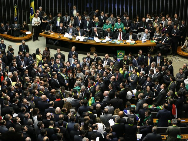 Saiba como votaram os deputados de Goiás na sessão do impeachment