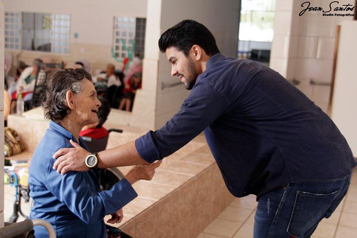 Grupo Qualidade em Saúde promove ação social