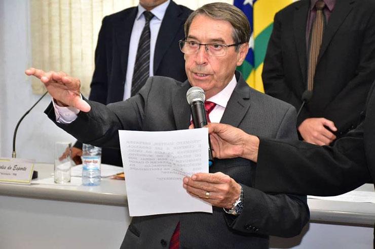 Abelardo Vaz renuncia definitivamente e Dr. João Antonio é o novo prefeito de Inhumas.