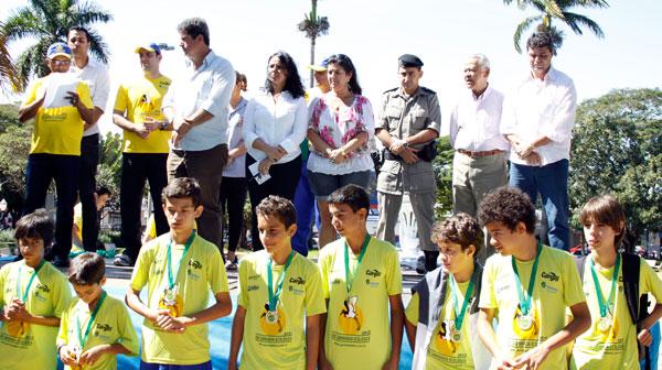 Crianças do município receberam medalhas